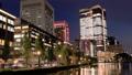 東京トワイライト 丸の内オフィス街 夕暮れからライトアップ タイムラプス ズームイン 44393988