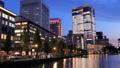 東京トワイライト 丸の内オフィス街 夕暮れからライトアップ タイムラプス ズームイン 44393993