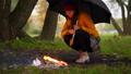 女の人 女性 火の動画 44415962