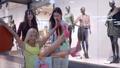 女性 メス ショッピングの動画 44434071