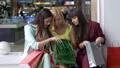 女性 メス ショッピングの動画 44435719