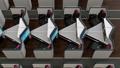 個室型ビジネスクラススイートのリクライニングシートがフルフラットに調整する動画 44488598