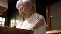 シニア 女性 高齢者の動画 44578278