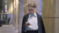 スマホ キャリアウーマン ビジネスウーマンの動画 44603397