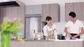 カップル キッチン ライフスタイルの動画 45015678
