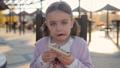 パン 子供 食の動画 45170384