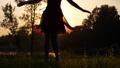 女 女性 まわるの動画 45279371