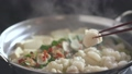 用筷子的火鍋 45483622