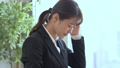 頭痛 ビジネスウーマン パソコンの動画 45824992