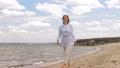 여성, 걷기, 해변 46062402