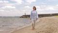 여성, 걷기, 해변 46062404