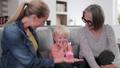 ファミリー 家庭 家族の動画 46303734