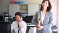 オフィス ビジネスマン ビジネスウーマンの動画 46338158