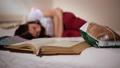 疼痛 床 床鋪 46340418