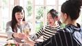 女子会 乾杯 パーティーの動画 46384894