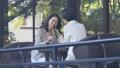 中間女性餐館多士旅行圖像 46415675