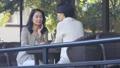 中間女性餐館多士旅行圖像 46415678