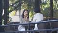 中間女性餐館多士旅行圖像 46415679