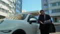 実業家 車 自動車の動画 46542871