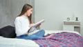 女性 読書 ブックの動画 46552815