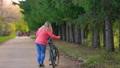 自行車 腳踏車 騎腳踏車者 46666436