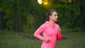 ジョギング 女 女性の動画 46730848