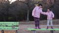 公園 屋外 子供の動画 46873850