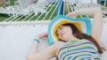 ハンモック 女性 横たわるの動画 47003191