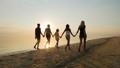 海滩 家庭 家族 47058758