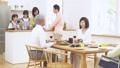 家族 親子 料理の動画 47094347