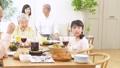 多代家庭聚會形象 47094359