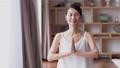 中年女性瑜伽美女形象 47319912