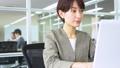 ビジネスウーマン 女性 キャリアウーマンの動画 47324839