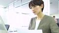 ビジネスウーマン 女性 キャリアウーマンの動画 47324842