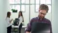 オフィス ビジネス 職業の動画 47576347