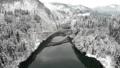 雪景色の第一只見川橋梁を走る只見線 47689187