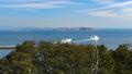 師崎港を出港する観光船とフェリー 47773181