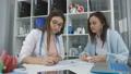 医師 医者 女性の動画 47802144