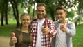가족, 미소, 사람들 47830134