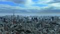 東京風景東京鐵塔,東京灣覆蓋天空流動的雲彩時間間隔放大 48000277