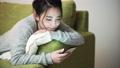 女性 スマホ スマートフォンの動画 48050824
