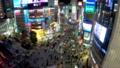 《東京都》渋谷駅前スクランブル交差点・夜景《タイムラプス・ティルトダウン》 48140107