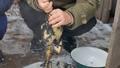 烧开的水 碗 冬天 48318113