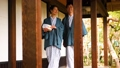 中間資深夫婦溫泉旅行Yukata Ryokan圖像 48350261
