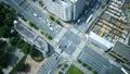 东京·大都会交叉口·时间流逝·真实概览拍摄·人群流动的绿色和阳光FIX 48453069