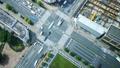东京·大都会交叉口·时间流逝·真实概览拍摄·人群缩小,绿色和阳光流动 48453070