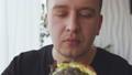 汉堡 吃 男性 48519133