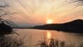 夕日 夕暮れ タイムラプス 川 雲 48519482