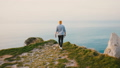 男 ウォーキング 歩くの動画 49009095