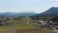 无人机鸟瞰图大山的雪和稻田种植春季撤退 49021773